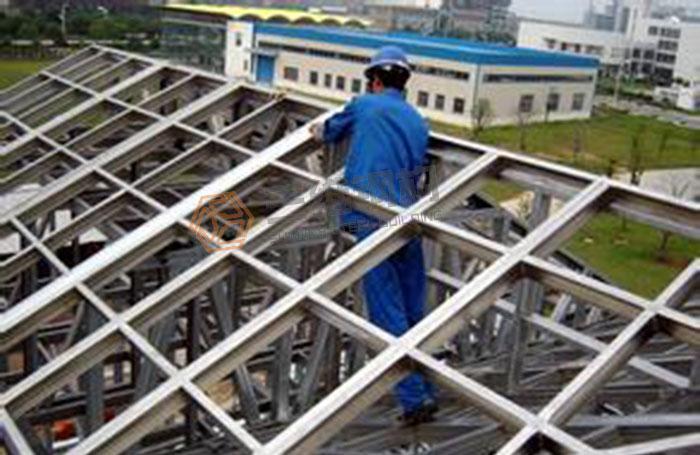 如何正确的对轻钢结构厂房进行安装?